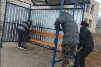 Установка остановочного павильона в селе Семеновка.